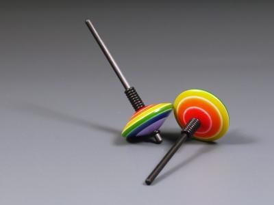 B564 - Perlkreisel Regenbogen klein