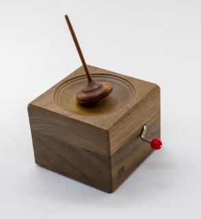 ML101 - Spieluhr mit Kreisel
