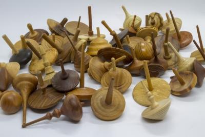 KS301 -  Holzkreisel aus einer Kreiselsammlung