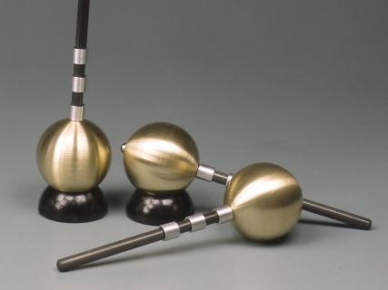 B794 - Brass ball spinning top Alex size M