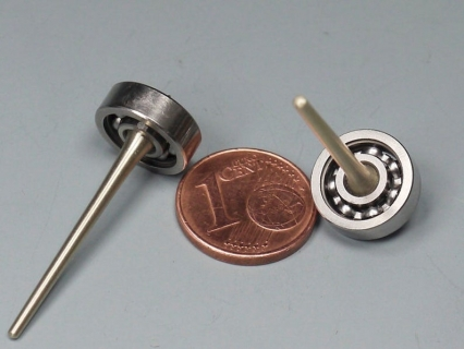 B797 - Mini spinning tops with ball bearings