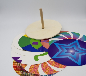 ED120315 - Color disk spinning top