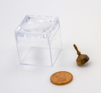 KS807 - Micro wooden spinning top in the magnifier box